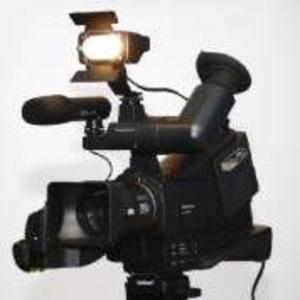 Продам трехматричную,  наплечную  видеокамеру Panasonic NV-MD 10000