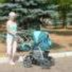 Продаётся детская коляска-трансформер зима-лето. Цвет: зеленый