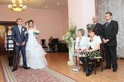 Продам красивое свадебное платье: белого цвета